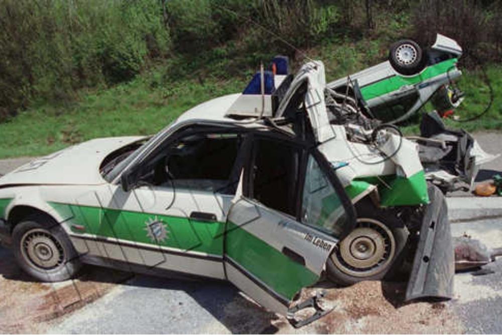 Verkehrsunfall A99 2001 Polizeiauto