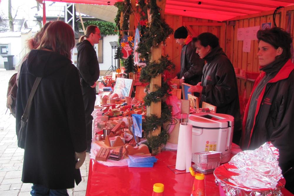 Glühwein, Bratapfel, Gyros und andere Leckereien auf dem Christkindlmarkt