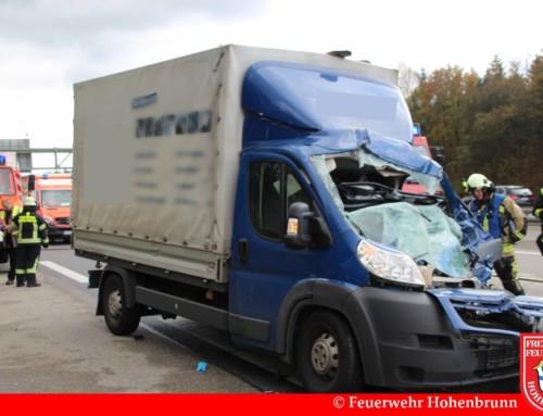 Schwerer Verkehrsunfall zwischen zwei LKW auf der A99