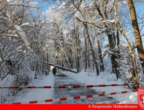Einsatzreiches Wochenende durch starken Schneefall