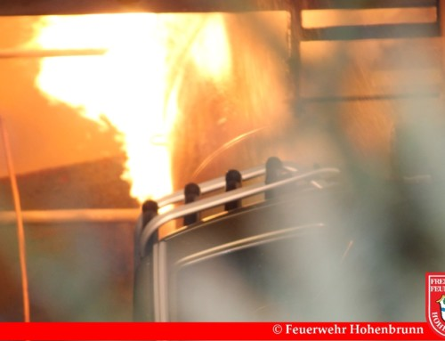 Großbrand in Kfz-Werkstatt mit Flüssiggas im Gewerbegebiet Riemerling